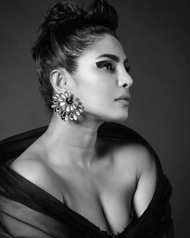 Priyanka Chopra Latest Pics
