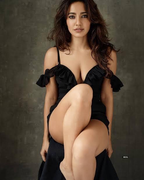 Neha Sharma Hot Navel Photos